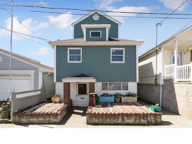 3 BR,  1.00 BTH  Traditional style home in Broad Channel